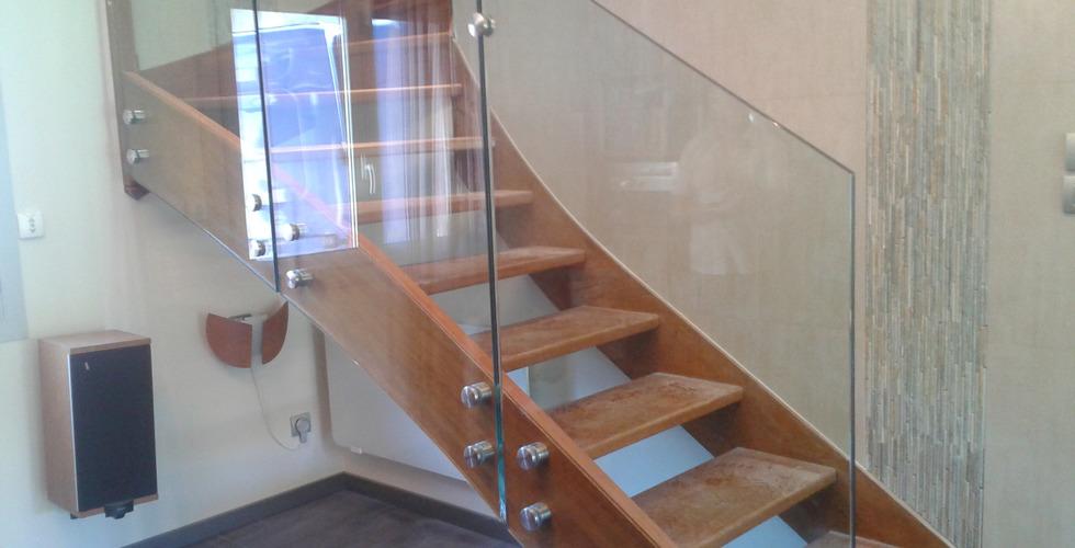 Vitrages escalier bois